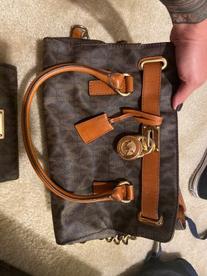 Authentic Michael Kors purse and checkbook wallet for Sale in Winter Garden, FL