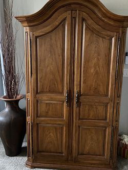 Thomasville King Size Bedroom Furniture for Sale in Nampa,  ID
