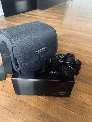 Olympus - OM-D E-M10 Mark III Mirrorless Camera with 14-42mm Lens - Black for Sale in Yonkers, NY