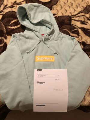 Supreme Box Logo Hoodie Size Large for Sale in Raleigh, NC