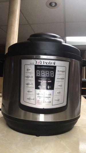 Instant pot for Sale in Dearborn, MI