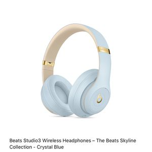 Beats Studio3 Wireless Headphones Skyline Collection Crystal Blue for Sale in Brownsville, TX