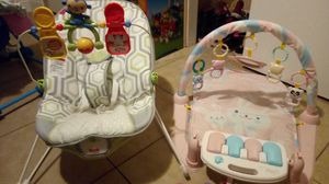 bounce, kick and play piano, carseat toy for Sale in Port Richey, FL