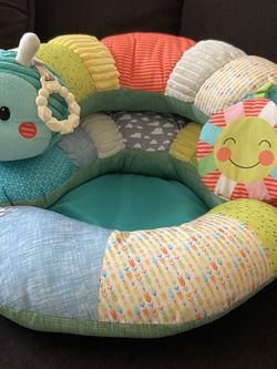 Prop-a-pillar Tummy Time & Seated Support for Sale in Reedley,  CA