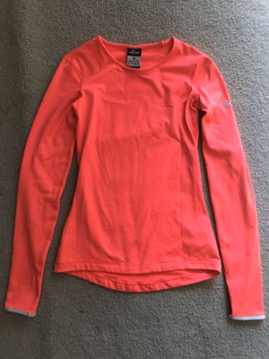 NIKE LONG SLEEVED SHIRT XS for Sale in Des Moines, WA