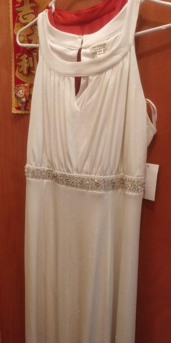 Elegant White long dress, new, size 18