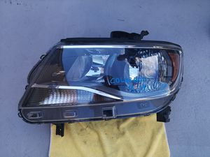 Chevy colorado 2015 2016 2017 2018 2019 left headlight for Sale in Lawndale, CA
