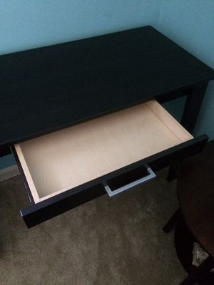 Small writing desk for Sale in Lexington, KY