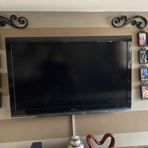 55 Inch TOSHIBA TV for Sale in Camden, NJ