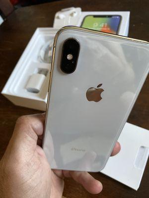 iPhone X 256gb silver like new factory unlocked (desbloqueado para todas las compañías) for Sale in Monterey Park, CA