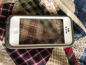 Life proof otter box for iPhone 5 for Sale in Kansas City, KS