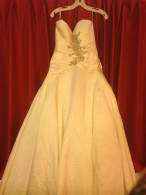 Wedding Dress Perfect Condition BEST OFFER for Sale in San Diego, CA