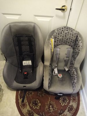 Two used car seats washed and cleaned $30 each of both of $50 for Sale in Germantown, MD