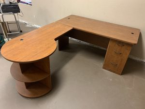 Free L shaped desk for Sale in Hudson, FL