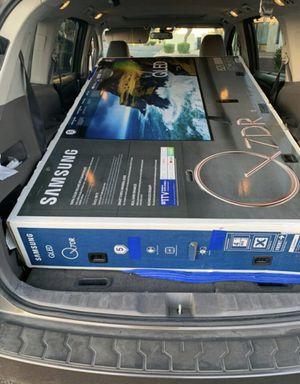 """82Q70 82"""" Samsung smart 4K Qled hdr Tv for Sale in Norwalk, CA"""