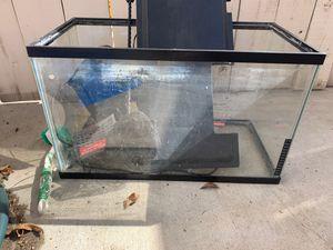 10 gallon fish tank for Sale in Corona, CA