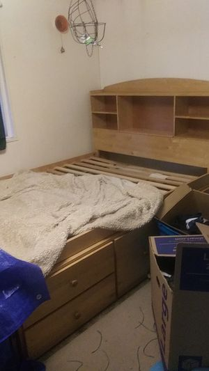 Captains Full Sized Bed Frame AND Dresser Solid Oak Pristine Condition Priced To Sell ASAP All Offers Considered for Sale in Woodinville, WA