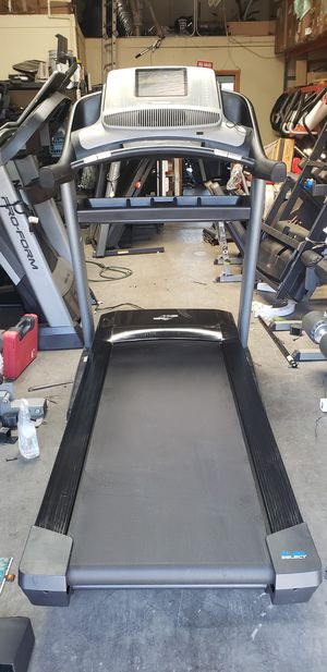 Nordictrack Treadmill 300lbs weight Capacity great cardio machine for your home gym for Sale in Anaheim, CA
