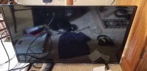 Vizio 32 inch led TV like new for Sale in Lansing, MI