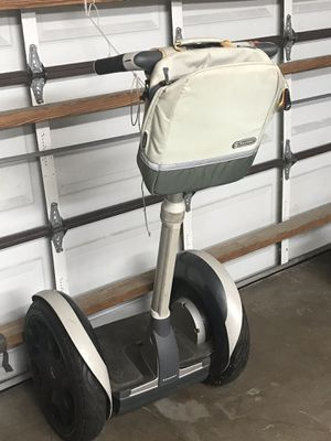 Segway transporter. Battery is bad and won't charge. Has 3 different keys with 3 different speed abilities. Segway carry bag as well for Sale in Pinecrest, FL