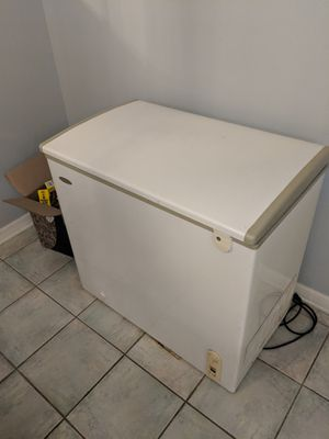Heier deep freezer, year 2000 model for Sale in Longwood, FL