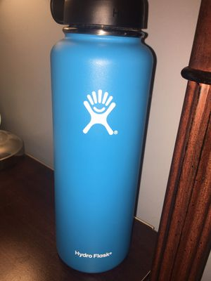 Blue 40oz Hydroflask Bottle for Sale in Bloomington, IL