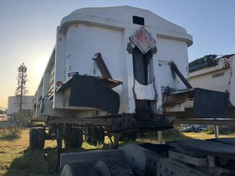 End dump 38 feet trailer for sale in Victorvil for Sale in Los Angeles,  CA