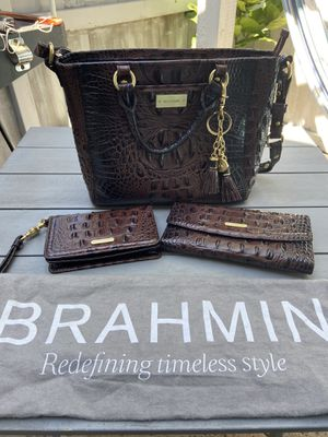 Brahmin ladies purse, wristlet, and wallet for Sale in Coronado, CA