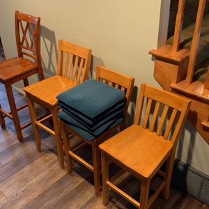 FREE barstools for Sale in North Bend, WA