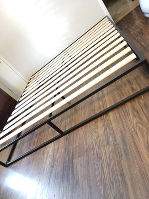New king bed frame base para cama king nueva for Sale in Stockton, CA