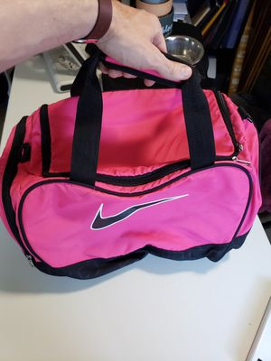 New pink duffle bag for Sale in San Diego, CA