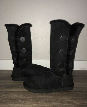 Bailey Button Triplet Ugg boot in black for Sale in Renton, WA