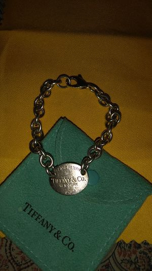 Tiffany's & co oval bracelet for Sale in Henderson, NV