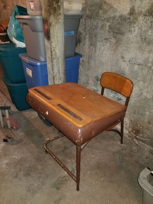 ANTIQUE SCHOOL DESK FROM 60'S for Sale in Norwood, MA