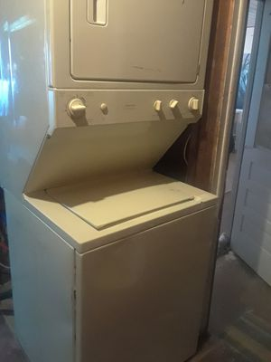 GE stackable washer and dryer for Sale in Lake Alfred, FL