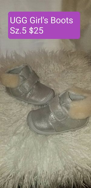 Baby girl boots for Sale in Brownsville, TX