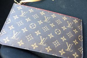 Authentic Louis Vuitton Clutch for Sale in Herndon, VA