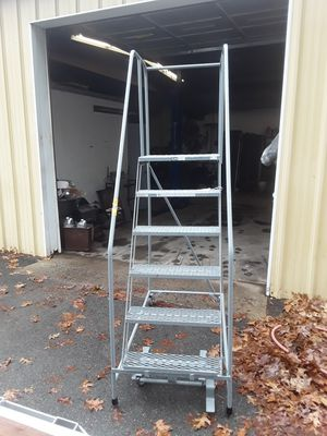 ULINE. 6STEP ROLLING LADDERS for Sale in Foxborough, MA
