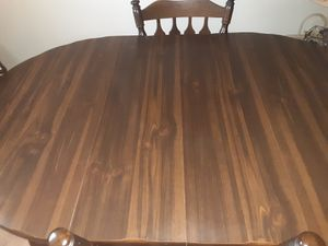 Wooden kitchen table includes 4 chairs perfect condition for Sale in Brooklyn, NY