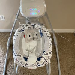 Fisher price Infant Smart Swing (barely Used) for Sale in Lake Oswego,  OR