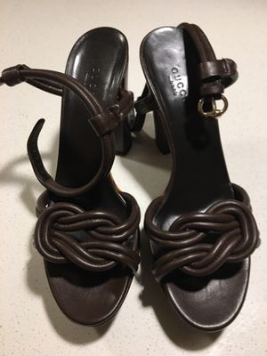Size 39 dark brown Gucci platform sandals for Sale in Los Angeles, CA