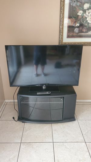 RCA 50 inch TV with TV stand for Sale in Santa Ana, CA