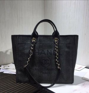 Chanel Shopping Bag for Sale in Columbus, OH