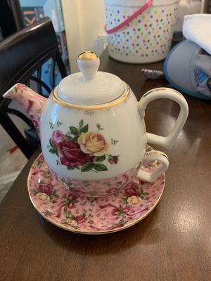 Royal Albert tea for one chintz for Sale in Sterling Heights, MI