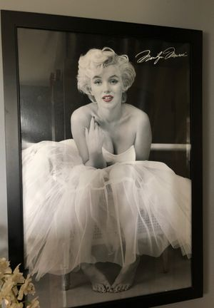 Custom framed Marilyn Monroe portrait. 27x 40 for Sale in Waterbury, CT