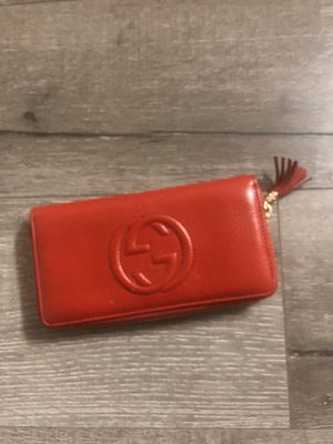 Gucci red wallet for Sale in Monterey Park, CA