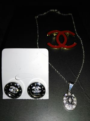 Earrings and pendant set/ brooch.. for Sale in Concord, CA