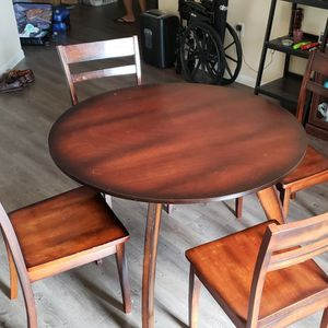 Breakfast Table and Chairs for Sale in Carrollton, TX