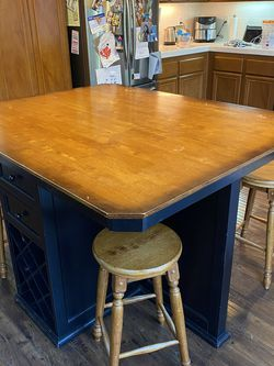 Kitchen Island With Wine Rack And 4 Swivel Stools for Sale in Murrieta,  CA