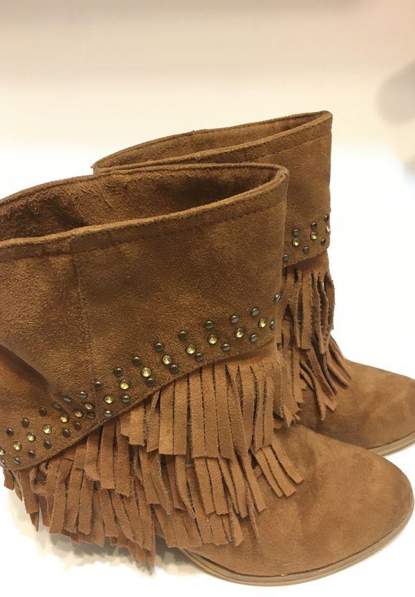 Women's fringe booties Size 8